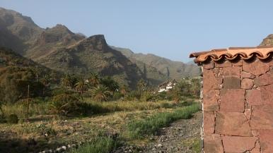 Logés chez Jean, voyageur à vélo émigré à la Gomera...